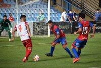 El Numancia suma su primera victoria ante el Calahorra (1-2)