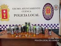 La Policía Local 'pilla' a tres grafiteros en una avenida