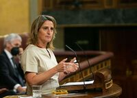 Ribera anticipa una suspensión temporal de impuestos a la luz