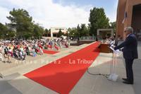 Más de 100 estudiantes de la IX Promoción del grado en Enfermería  celebraron su acto de graduación, frente al Paraninfo Universitario.