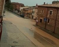 La Junta limpia la travesía de Berlanga de Duero