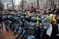 Miles de detenidos en Rusia por las p...
