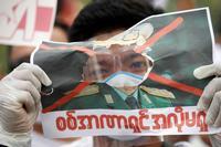 Los birmanos se movilizan contra el g...