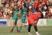 Osasuna remonta al Huesca para ganar en su estreno veraniego