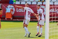 El Albacete derrota al Mirandés