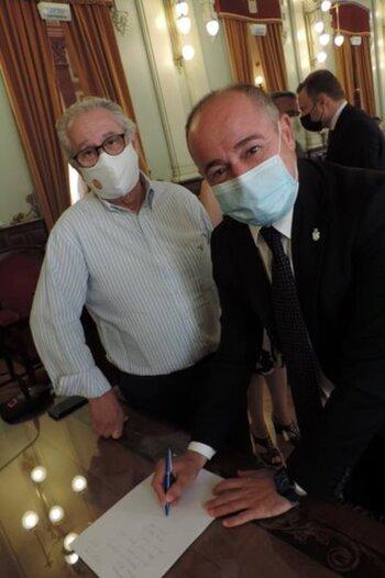 El alcalde se convirtió en nuevo socio de Albacete en Madrid