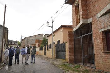 Alcaldes del nordeste plantean sus necesidades a De Vicente