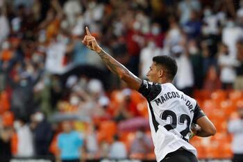 El Valencia rescata un punto
