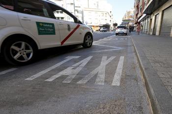 Ampliarán la parada de taxis de Martínez Villena