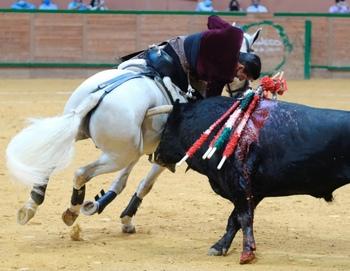 El rejoneador Diego Ventura corta cuatro orejas en Arnedo