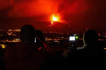 La lava cubre ya 212 hectáreas y destruye 461 edificaciones