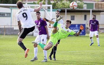 Dos errores del Palencia CF deciden la eliminatoria