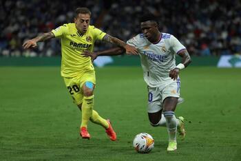 El Villarreal echa el freno al líder