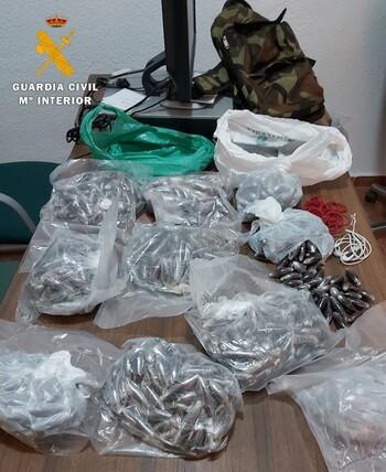 Tres detenidos con 10 kilos de hachís, en la A-30