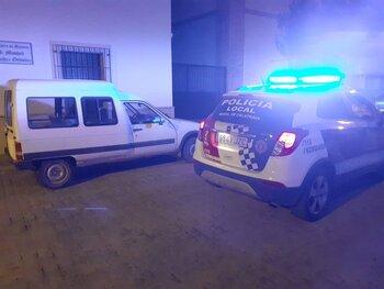 Detenidos cuatro jóvenes por robo en interior de vehículo
