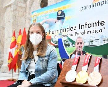 La ciudad homenajea a la triple medallista Marta Fernández