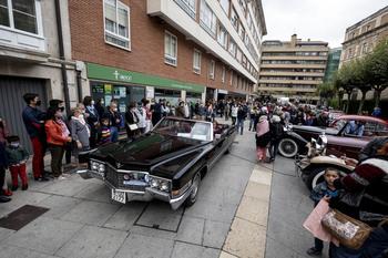 Afluencia masiva a la exposición de vehículos históricos