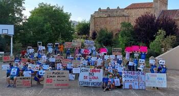 Oposición vecinal a la granja porcina en Fuensaúco