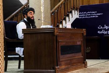 El cofundador de los talibanes niega los rumores sobre su muerte