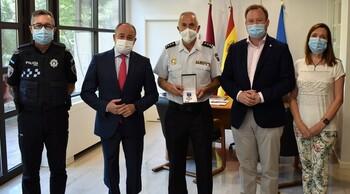 Distinguen con la Medalla al Mérito Policial a Marín