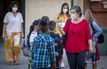 Educación registra un tercio de contagios que hace un año