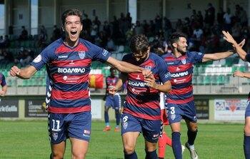 La Segoviana se hace fuerte en La Albuera (2-0)