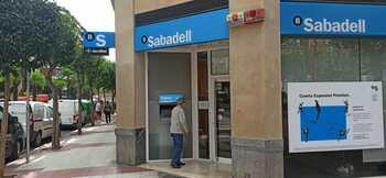 El Sabadell deja Miranda y deriva a sus clientes a Vitoria