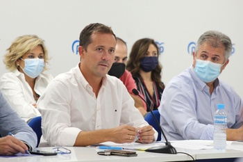 Velázquez inicia la renovación de las juntas locales del PP