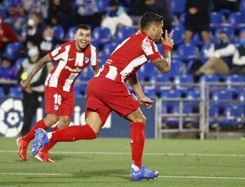Suárez resucita al Atlético