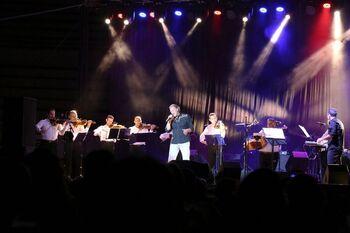 Bolaños disfruta del concierto de Bertín Osborne