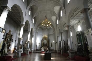 Un taller de restauración de obras de arte en la Magdalena