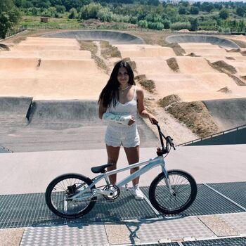 Carla Gómez, del BMX El Casar, se fractura el radio