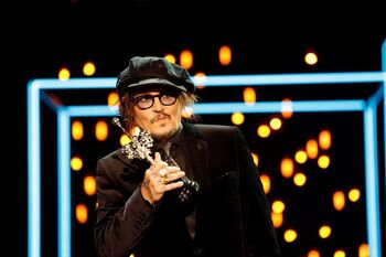 Johnny Depp recibe con humildad el Premio Donostia