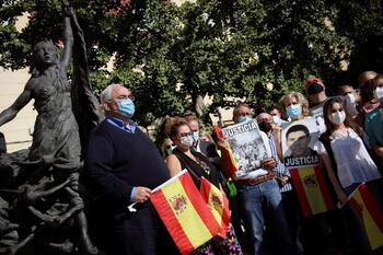 Cientos de personas claman contra las humillaciones de ETA