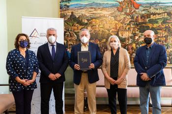 Siglo Futuro recibe 20.000 euros para salir por la provincia