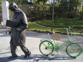 La pasión de Delibes por las bicis motiva un 'bici-crossing'