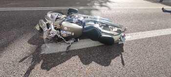 Da positivo en drogas tras chocar contra una moto