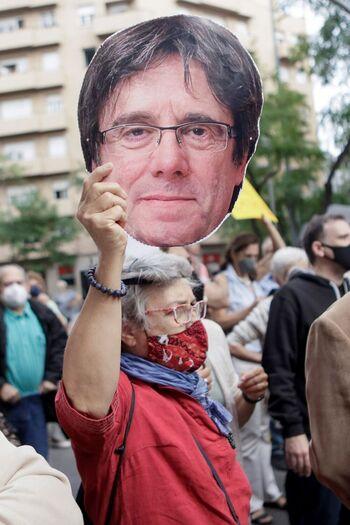 Puigdemont fue detenido en presencia de dos policías españoles