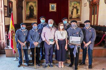 El alcalde de Almodóvar recibe a la Hermandad de Pandorgos