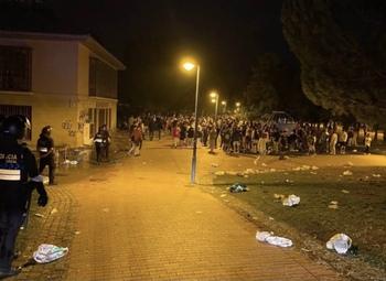 Dos detenidos por lanzar botellas a la Policía en el Ebro