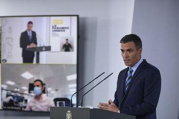 Sánchez viaja a Canarias y suspende su viaje a EEUU
