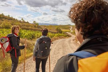 Astorga invita a Santo Domingo a impulsar el Camino Francés
