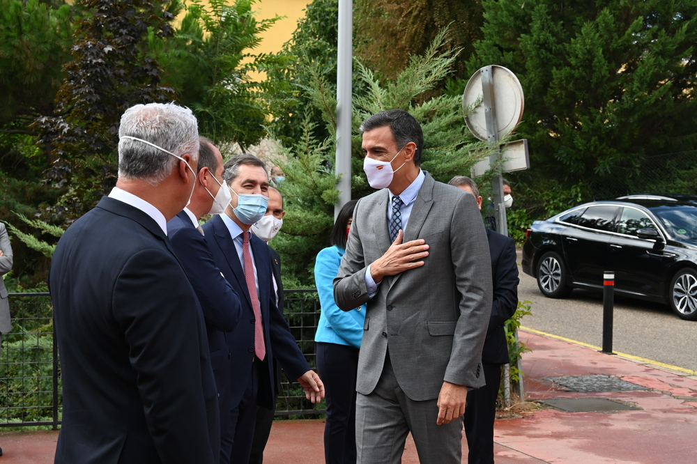 Sánchez visita el Centro de Vacunación de Guadalajara