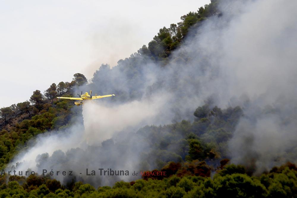Imágenes de los incendios de Liétor, y Tobarra